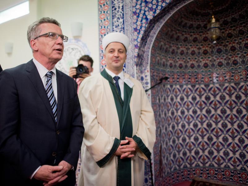 NEIN zu islamischen Feiertagen – Deutschland bleibt christlich!