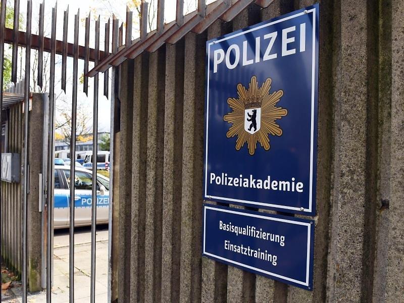 Polizeiakademie Spandau von Verbrechern und kriminellen Araber-Clans säubern!